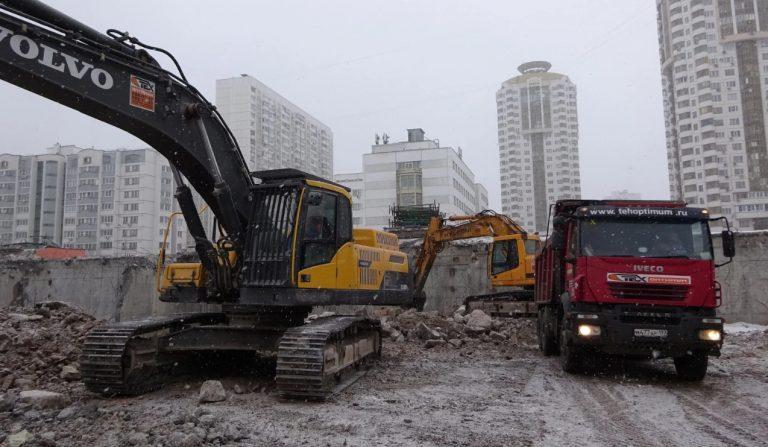 Вывоз и разработка грунта в Москве-компания Техоптимум.