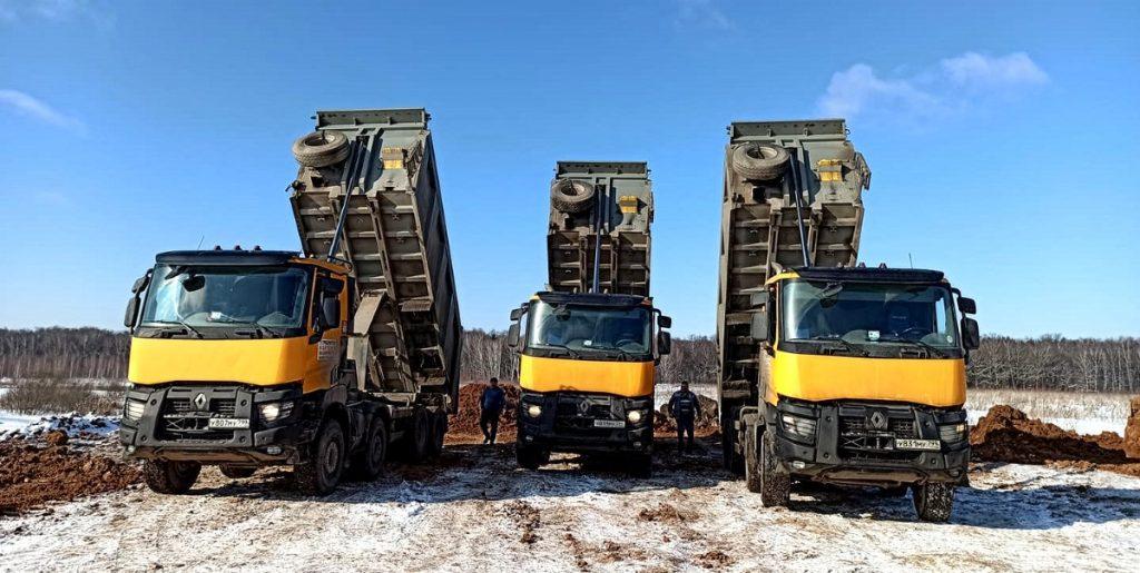 Компания Техоптимум-земляные работы. Cамосвалы RENAULT K 440 компании Техоптимум.