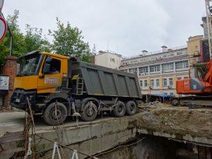 Аренда самосвала- вывоз грунта в Москве на полигон